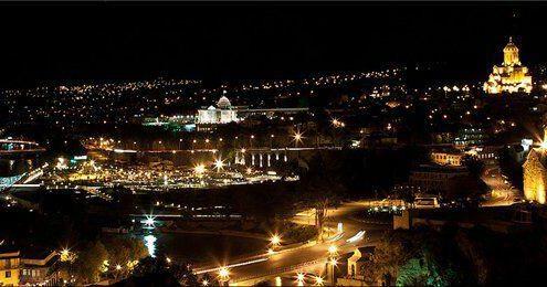 رودخانه ی کور در شب