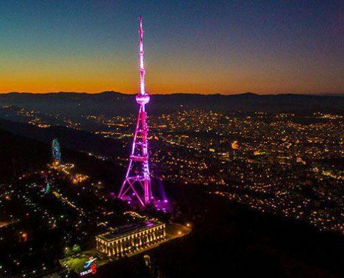 برج تلویزیونی تفلیس بالای شهر...