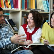 مدرسه بین المللی اقتصاد