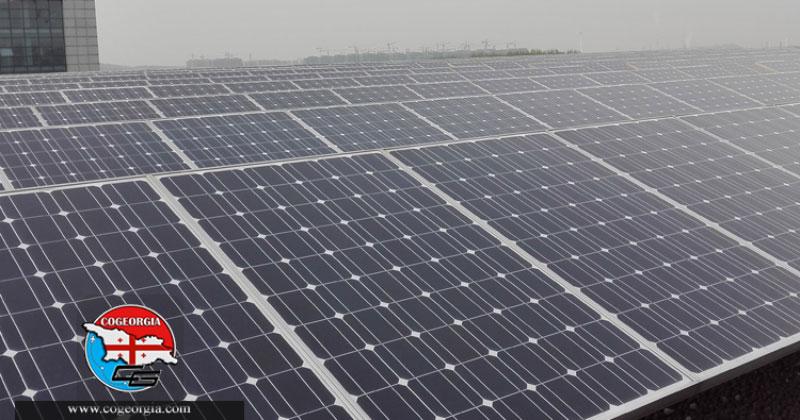 نصب پانل های خورشیدی